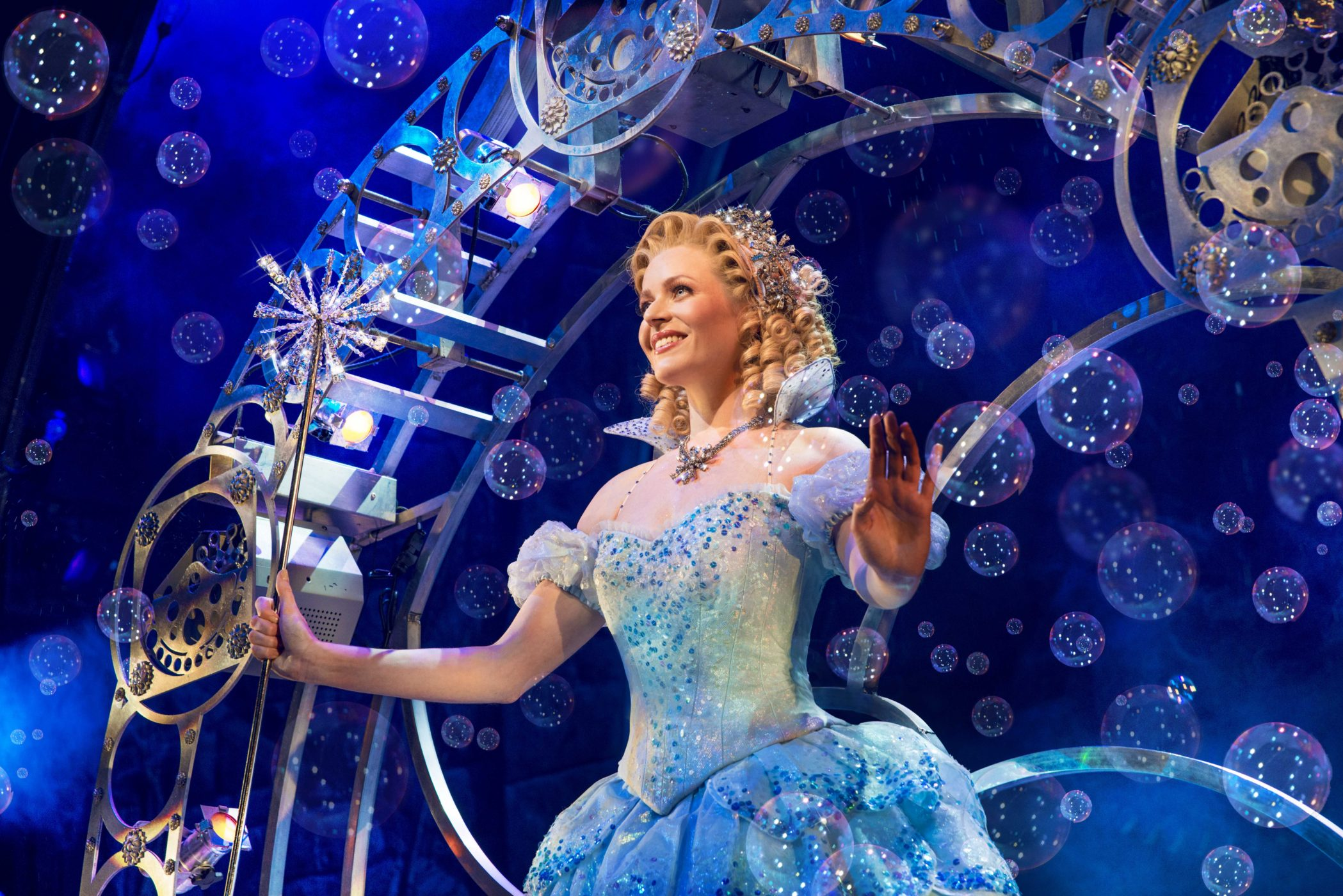 wicked-uk-international-tour_carly-anderson_photo-matt-crockett_7843