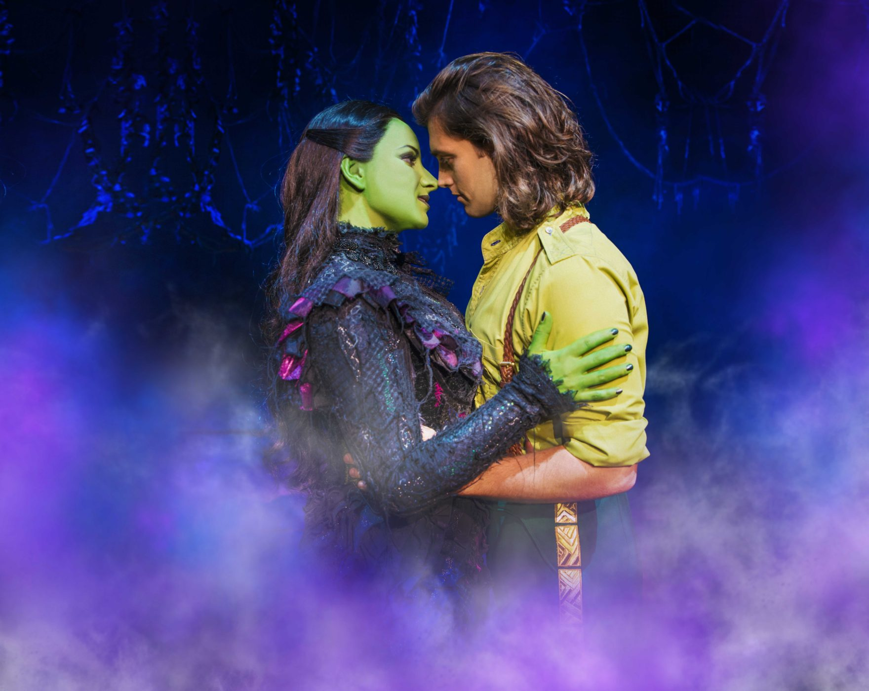 wicked-uk-international-tour_jacqueline-hughes-and-bradley-jaden_photo-matt-crockett_9204
