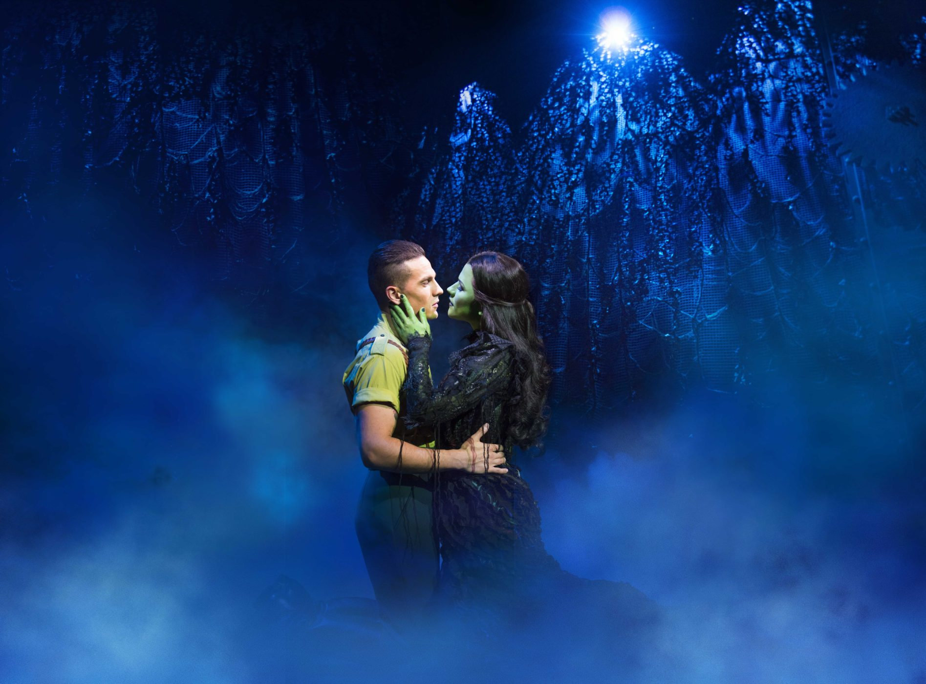 wicked-uk-international-tour_carly-anderson-and-jacqueline-hughes_photo-matt-crockett_8137